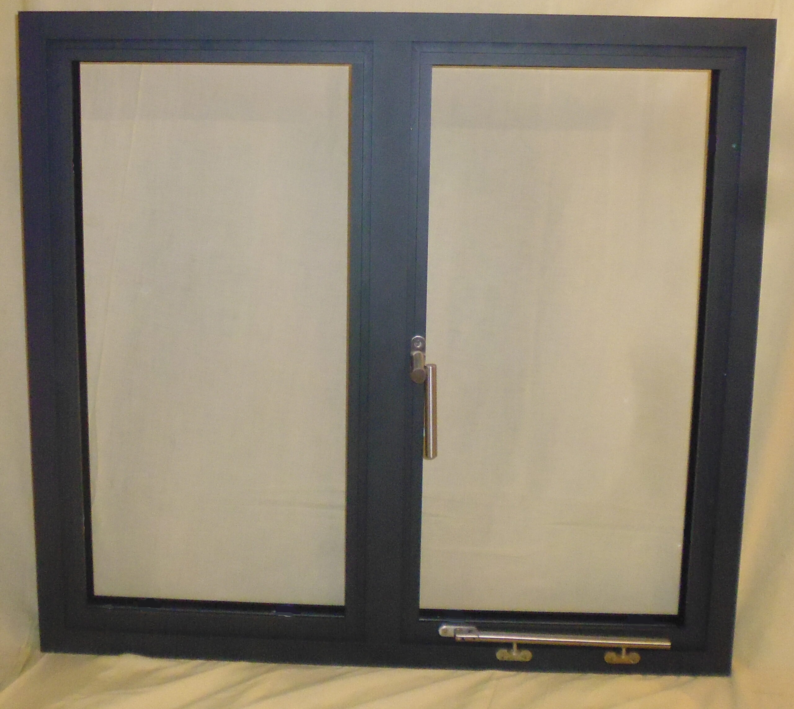 We are now manufacturing the new 'Alitherm 500' aluminium flush casement from 'Smart Systems'